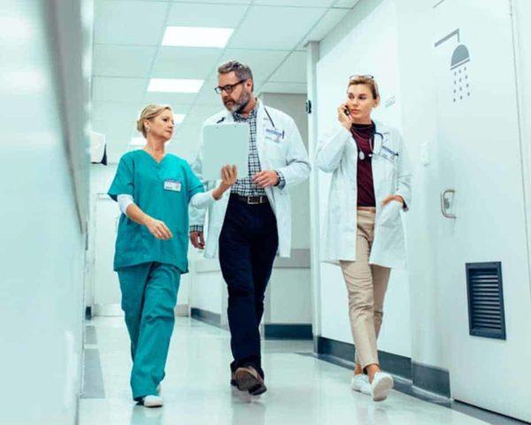 curso universitario de dirección de centros médicos