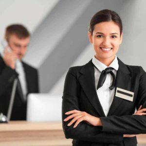 recepcionista y jefe de recepción
